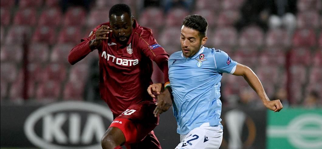 Jony affronta Traoré, Cluj-Lazio 2-1 (Getty Images)