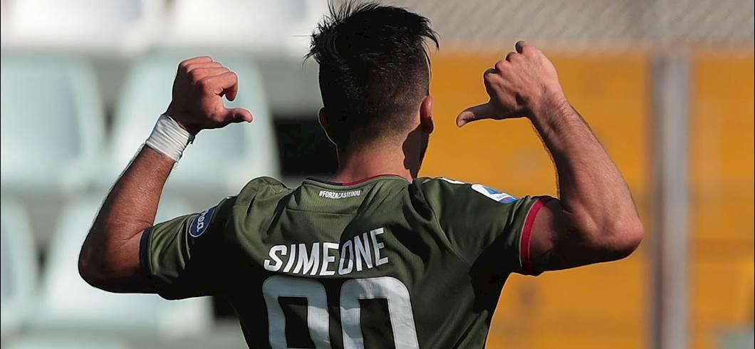 Simeone festeggia il ritorno al gol, Parma-Cagliari 1-3 (Getty)