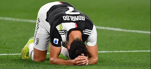 Un Cristiano Ronaldo affranto dopo un errore da pochi passi (Getty Images)