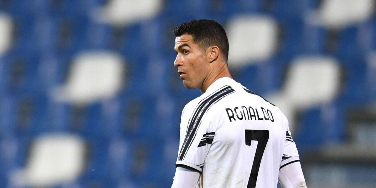 Cristiano Ronaldo atterrato in Italia. Domani in ritiro con la Juventus, ma per restarci? (Getty Images)