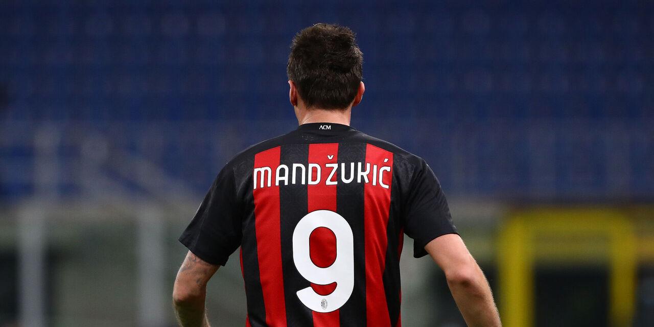 Mandzukic e la maledizione del numero 9: cinque gare per meritare la conferma  (Getty Images)