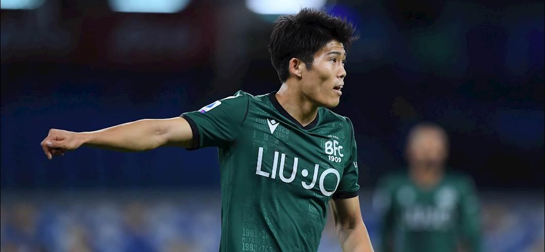 Calciomercato Atalanta, piace Tomiyasu: inserito nell\'operazione Barrow? (Getty Images)