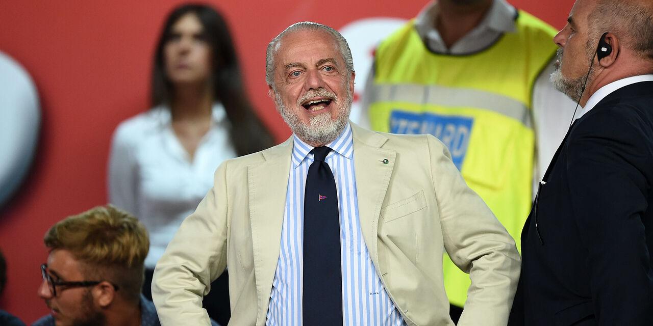 "De Laurentiis sta con Dazn: ""Ritardi per colpa di Berlusconi. Sky? Basta satellite"" (Getty Images)"
