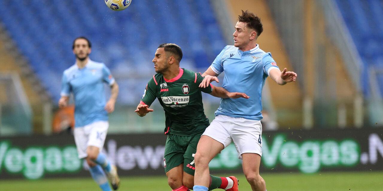 Lazio-Crotone 3-2: cronaca, tabellino e voti del fantacalcio
