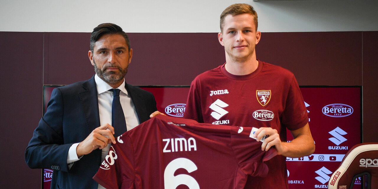 """Torino, Zima: """"Posso giocare in tutti i ruoli della difesa"""" (fonte: twitter.com/TorinoFC_1906)"""