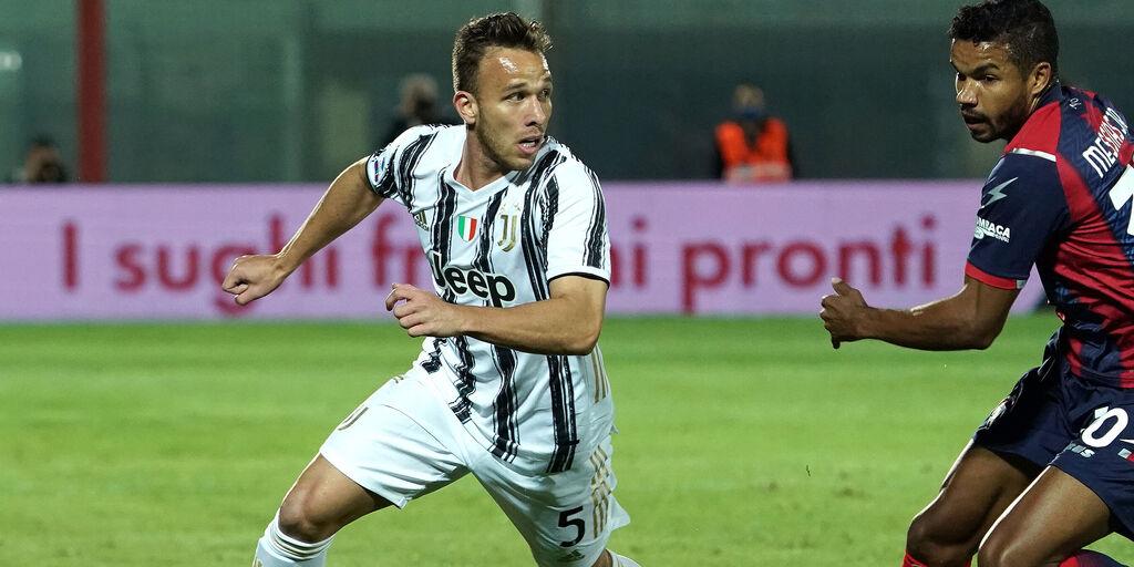 Arthur, intervento riuscito. Il comunicato della Juventus (Getty Images)