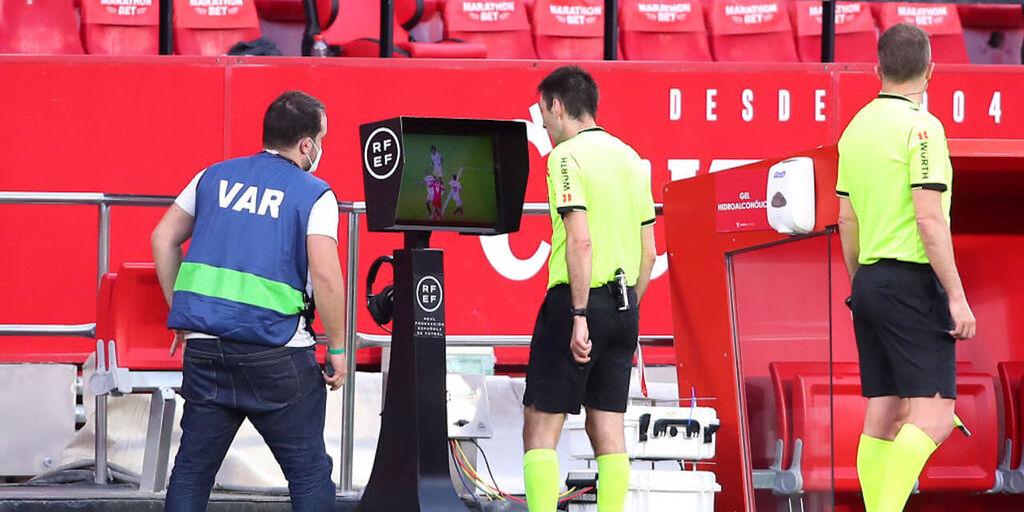 Siviglia-Granada: l\'arbitro fischia prima, tutti di nuovo in campo (Getty Images)