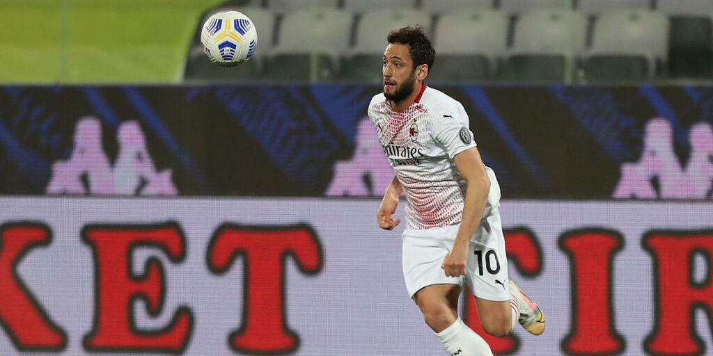 Calciomercato Milan, Calhanoglu rinnova? Occhio a un altro club italiano (Getty Images)