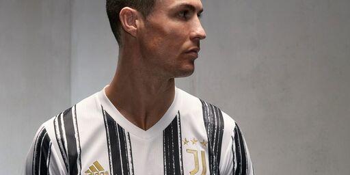 VIDEO - La Juventus presenta la nuova maglia con le strisce pennellate (juventus.com)