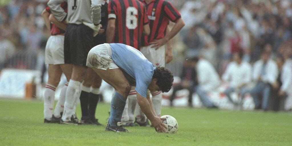 Addio Diego: i club di Serie A celebrano Maradona sui social (Getty Images)