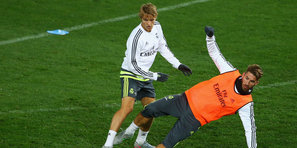 Odegaard e Sergio Ramos in allenamento (Getty Images)