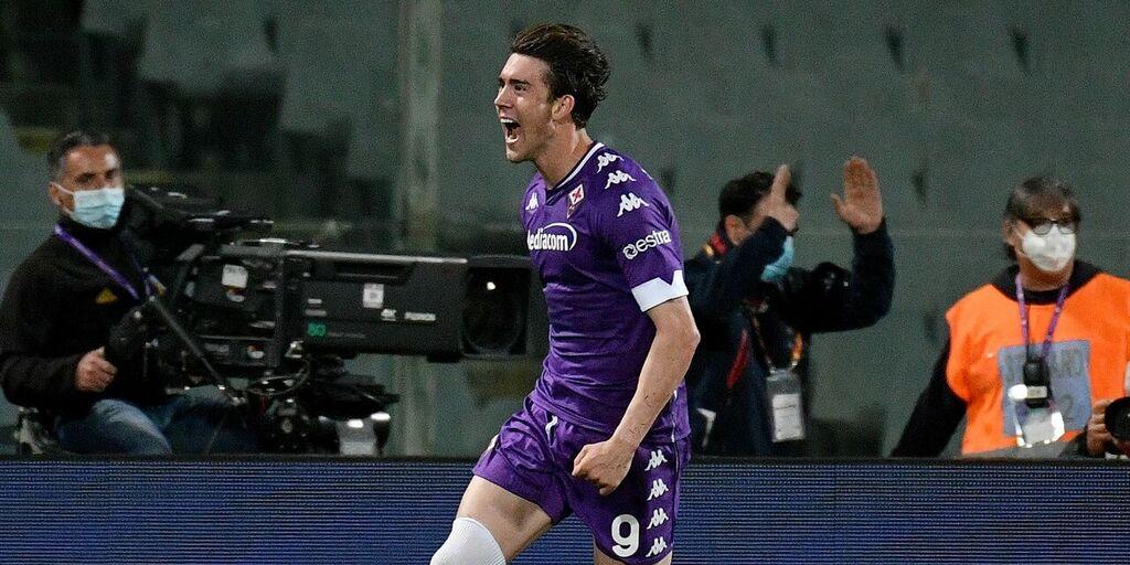 Calciomercato Fiorentina, contatti con l'agente di Vlahovic per il rinnovo (Getty Images)