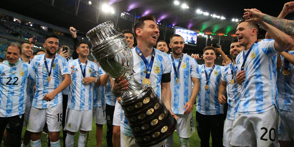 Messi - Barcellona, principio di accordo. Leo guadagnerà il 50% in meno  (Getty Images)
