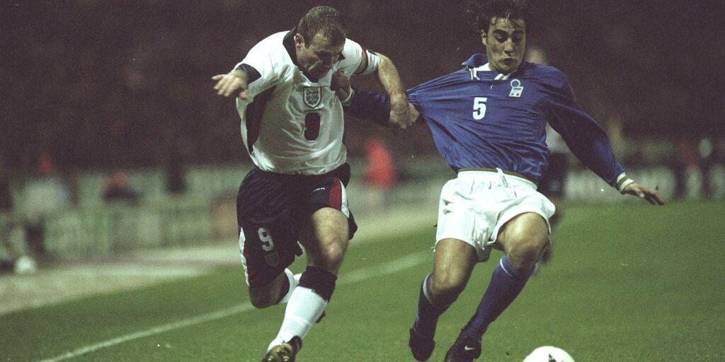 Duello tra Shearer e Cannavaro di Inghilterra e Italia (getty)