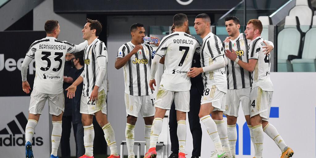 Juventus al lavoro: le condizioni di Chiellini, Alex Sandro e Dybala (Getty Images)