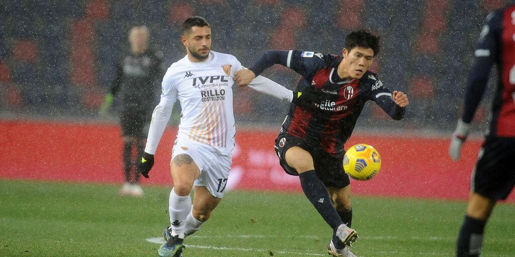 Bologna, le ultime sulle condizioni di Medel, Tomiyasu e Skorupski (Getty Images)